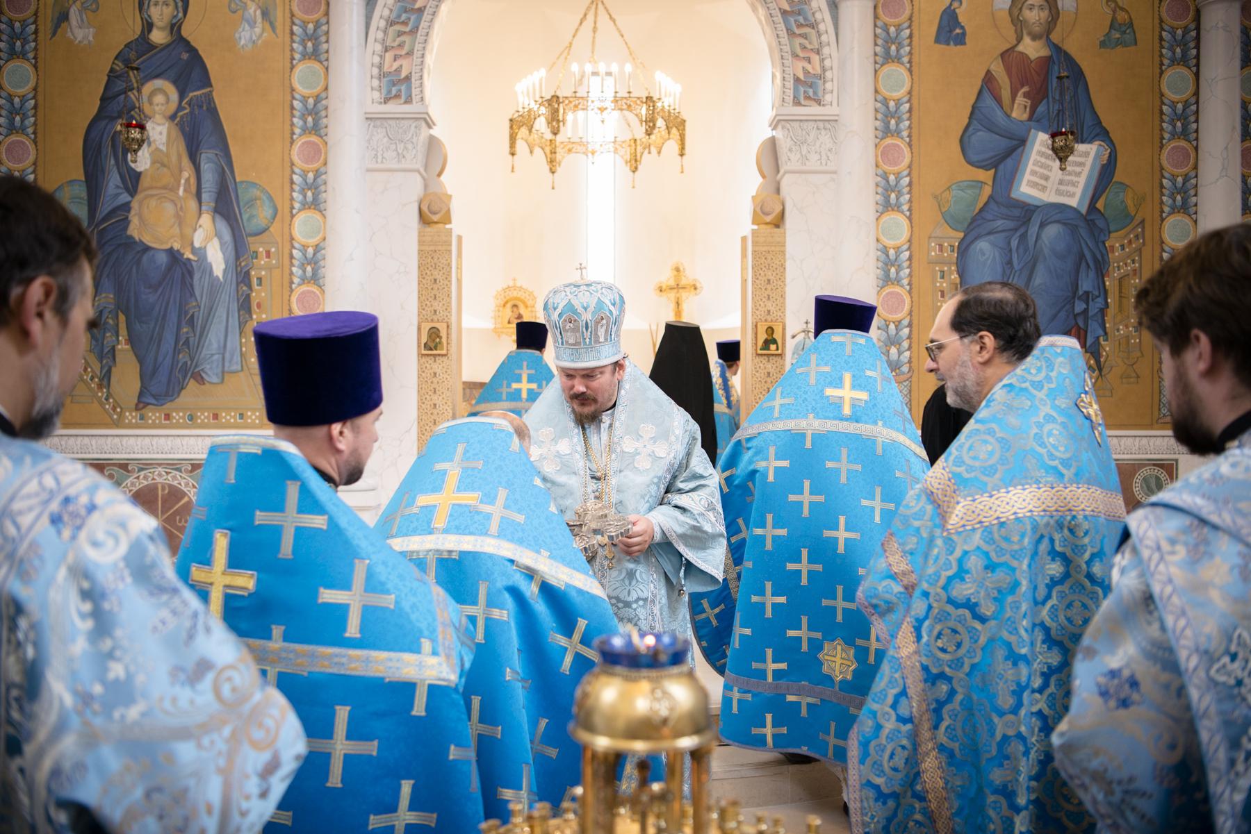 Huitième anniversaire du sacre épiscopal du Mgr Nestor, évêque de Chersonèse