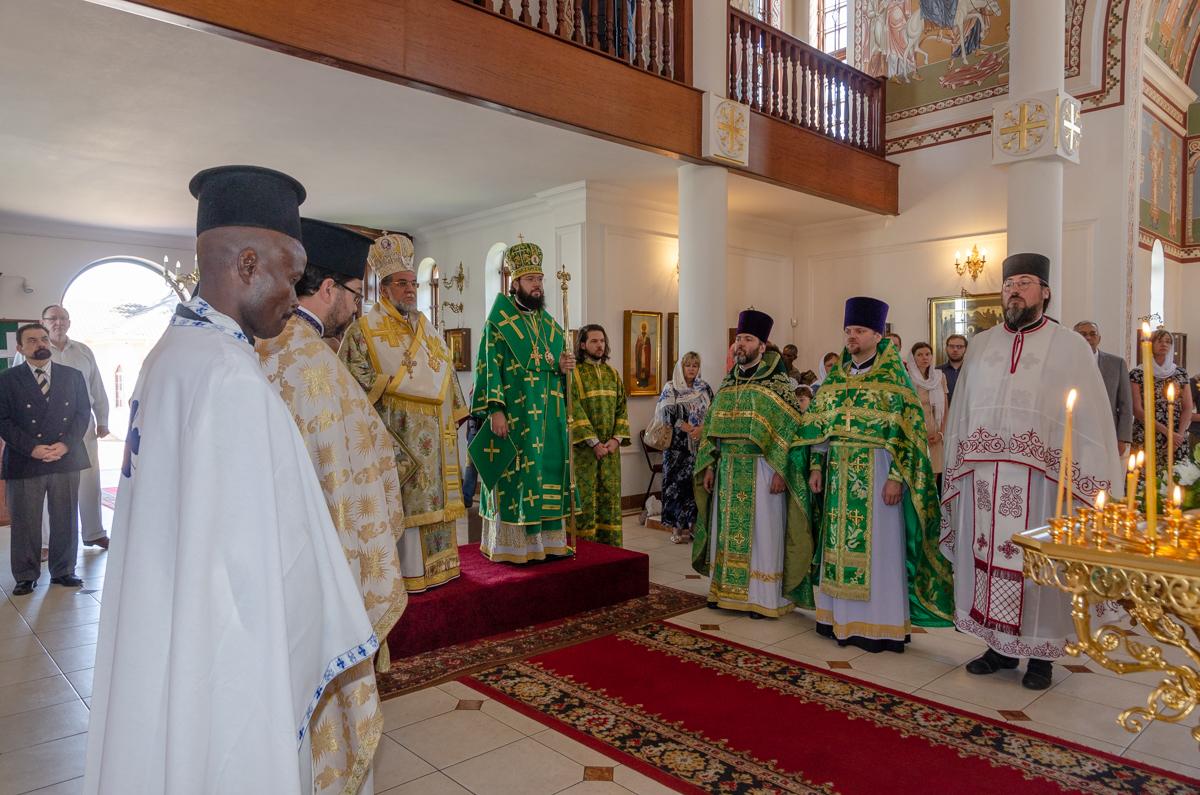 Le père Maxime Politov s'est rendu à Johannesburg afin d'y participer aux cérémonies en l'honneur du 20eme anniversaire de la paroisse Saint Serge de Radonezh