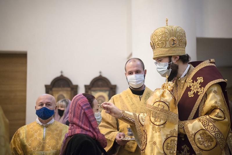 Le métropolite Antoine a célébré les Vigiles du 19ème dimanche après la Pentecôte en la cathédrale de la Sainte Trinité à Paris