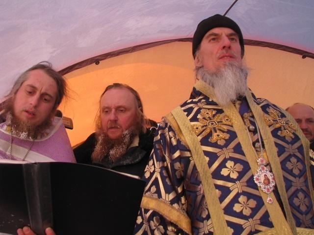 L'archevêque Ignace a célébré une liturgie orthodoxe et un baptême au pôle Nord