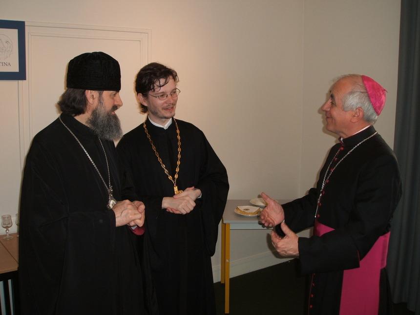 Rencontre entre Mgr Innocent et Mgr Jean-Yves Riocreux au Centre Istina