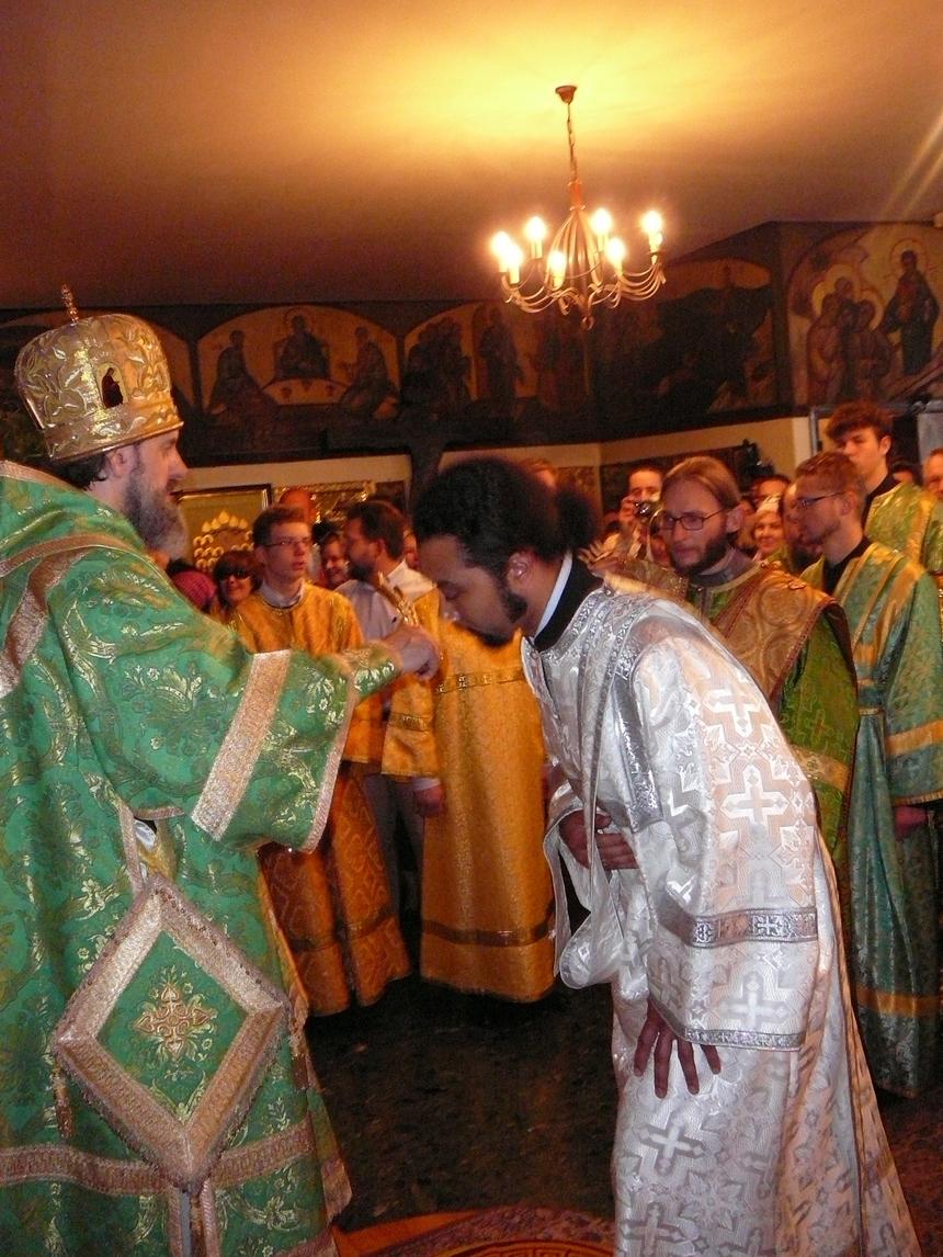 Liturgie de Pentecôte et ordination diaconale à l'église des Trois-Saints-Docteurs