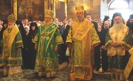 Le patriarche de Moscou et l'archevêque de Chypre ont présidé ensemble les festivités de Saint Serge à la laure de la Trinité-Saint-Serge