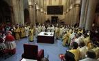 Célébration orthodoxe devant le Saint-Suaire de Turin