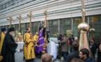 Reportage-vidéo sur la pose du dôme central et la bénédiction des croix de la future nouvelle église russe à Paris